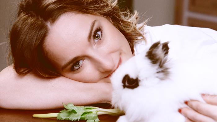 Ritratto di ragazza con coniglio